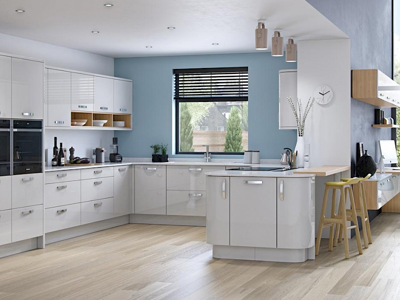 Zola Gloss Kitchen in light grey
